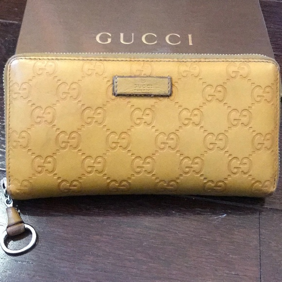 33ea469f1f3548 Gucci Bags | Leather Wallet | Poshmark